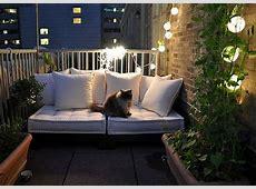 35 Lovely And Inspiring Small Balcony Ideas Small House