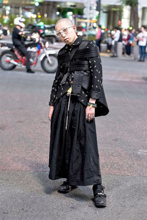 avant garde japanese street style  comme des garcons