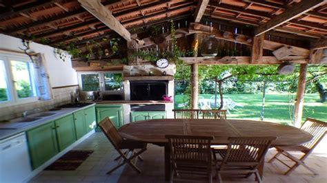 cuisine barbecue gaz villa avec cuisine d été terrasse piscine privative