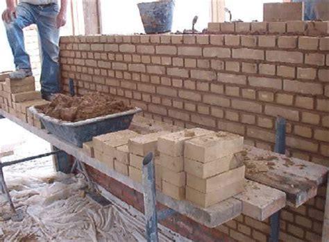 astuces pour monter un mur en briques