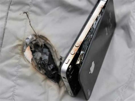 exploding iphone battery iphone battery explodes again at apple this time in 3506