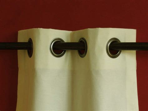comment coudre rideaux avec oeillets
