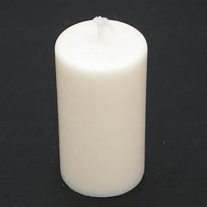 bougie blanche ronde petite en cire de soja With cire de bougie sur parquet