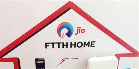 reliance jio started broadband service with plan offering 100 mbps free for 3 months