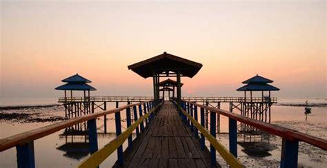 tempat wisata alam  pantai terbaik  surabaya