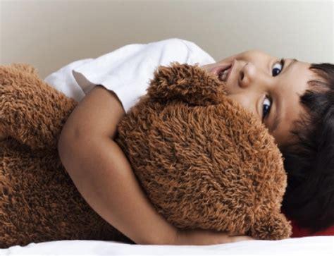 baby niet slapen in eigen bed kind slaapt niet in eigen bed online opvoedhulp