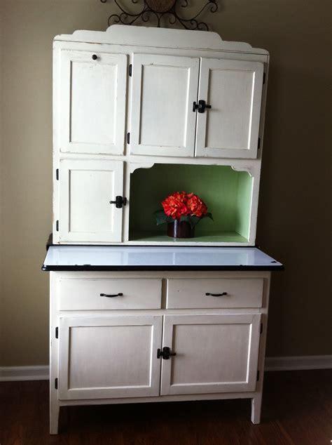 painting  hoosier cabinet  redoing furniture