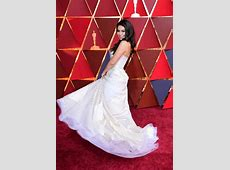 Auli'I Cravalho smacked by a flag at the 2017 Oscars