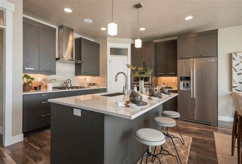 Wellborn Cabinet moves to frameless cabinetry at KBIS 2016