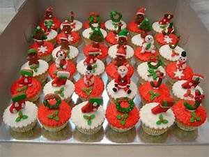 The Cutest Christmas Cupcake Ideas Ever - family holiday ...