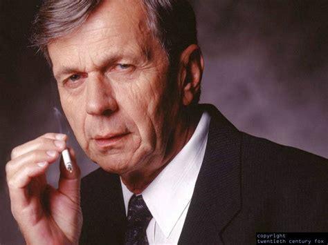 bureau fbi cigarette