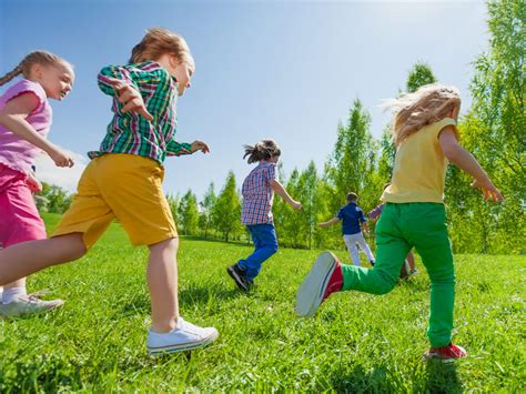 exercise may improve communication in children with autism 559 | dt 161123 children exercise running 800x600