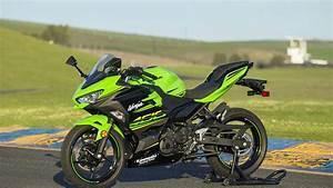 Kawasaki Ninja 400 : 2018 kawasaki ninja 400 first ride ~ Maxctalentgroup.com Avis de Voitures
