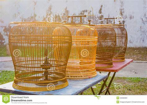 gabbie di legno gabbie per uccelli di legno rattan sulle tavole