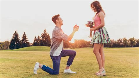 signs hes   propose  day