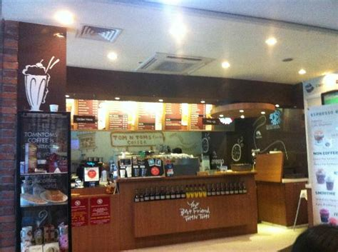 Coffee and tea $$$$$ $$ grubhub generally charges restaurants a commission of 10% to go toward the cost of providing delivery services. Tom N Toms Coffee - Picture of Tom N Toms Coffee, Singapore - TripAdvisor