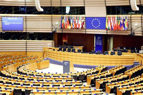 Pa diviem EP deputāta mandātiem varētu iegūt JV,