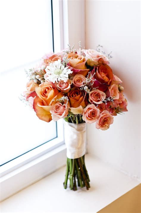 The coffee break rose is an elegant terracotta color with brown and orange tones. My wedding bouquet: the roses are Coffee Break and ...