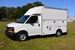Buy Used 2004 Chevrolet Express G3500 Cutaway Enclosed Utility Van Truck In New Bedford