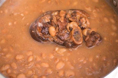 Add chili powder, garlic powder, salt and pepper to taste. Pinto Beans Recipe - Thrift and Spice