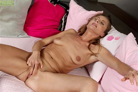 horny mature babe michelle gaia getting naked and masturbating