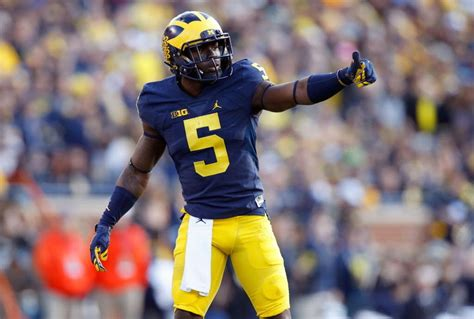 Michigan Wolverines football vs. Michigan State Spartans ...