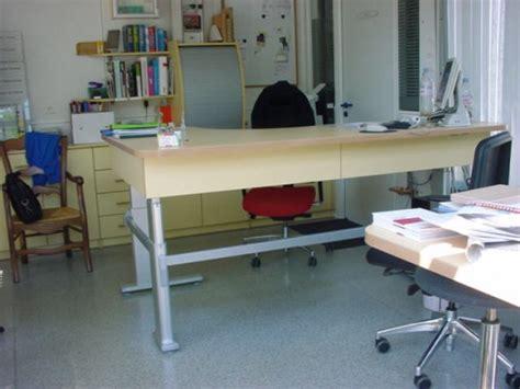 position bureau position bureau ergonomique comment agencer bureau de fa on ergonomique et mat