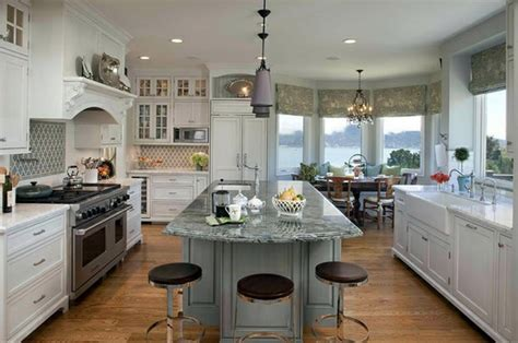 traditional white country kitchen  cool interior