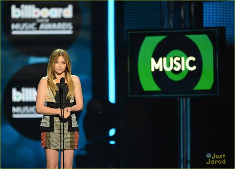 Chloe Moretz Billboard Music Awards 2013 00 Just Jared Jr