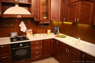 kitchen backsplash ideas with cherry cabinets home