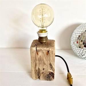 Lampe Ampoule Filament : lampe filament luminaires b co pinterest ampoule filament filament et douille ~ Teatrodelosmanantiales.com Idées de Décoration
