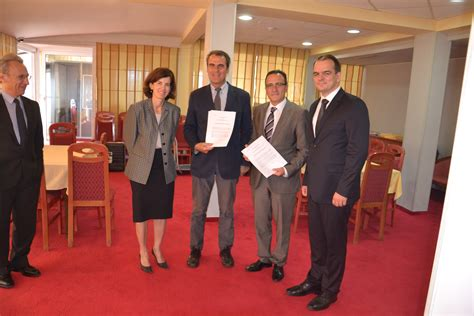 chambre des avocats signature d un accord de coopération entre la chambre des