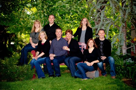family picture colors 35 stupendous family picture ideas slodive