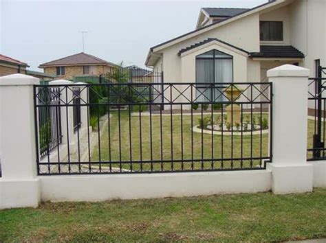 house gates and fences 39027 houses with fences home design fence designs by auto gates and fencing 34 mforum