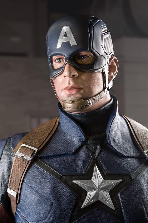 civil war captain america  scale statue captain