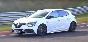 Renault Mégane 4 Rs : 2018 renault megane rs chases nurburgring fwd record out for civic type r blood autoevolution ~ Medecine-chirurgie-esthetiques.com Avis de Voitures