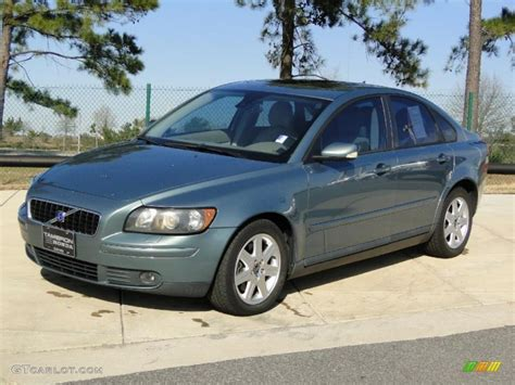 Volvo S40 2004 by Mistral Green Metallic 2004 Volvo S40 T5 Exterior Photo