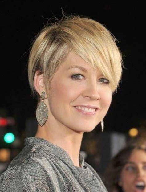 30 Best Short Haircuts for Women Over 40 Short
