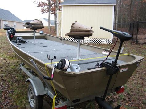 Jon Boat Seat Cl by 10 Decked Out Jon Boats You Ll Want For Yourself Pesca Y