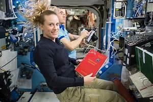 File:ISS-49 Kate Rubins and Anatoli Ivanishin during an ...