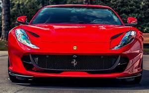 Descargar fondos de pantalla 4k, Ferrari 812 Superfast de ...