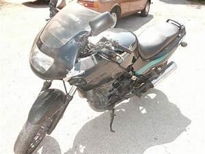 Scooter Occasion Marseille : moto d 39 occasion pas ch re kawasaki gpz 500cc 1998 marseille moto scooter motos d 39 occasion ~ Medecine-chirurgie-esthetiques.com Avis de Voitures