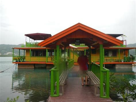 Houseboat Montego Bay by Houseboat Grill Picture Of The Houseboat Grill Montego