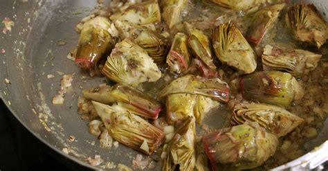 cuisiner artichaut violet artichauts poivrade recette d 39 artichauts poivrade sautés