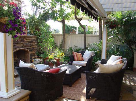 canapé de jardin pas cher 40 idées de salon de jardin pas cher