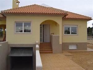 Modern 4 Bedroom House