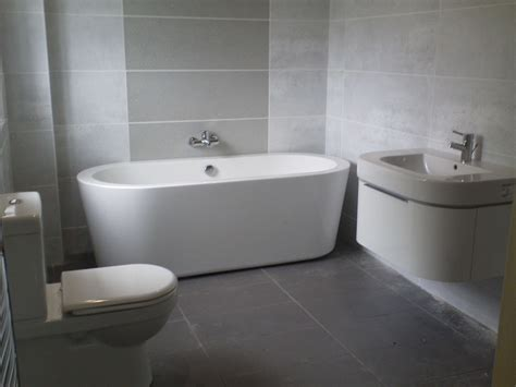 The Awesome As Well As Lovely Bathroom Designs On A Budget With Regard To The House