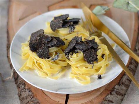 comment cuisiner les truffes noires recettes de truffes et pâtes
