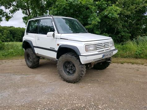 Suzuki Vitara Road by Suzuki Vitara Road 4x4 Road Moted In