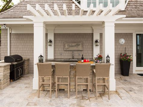outdoor kitchen and bar designs cottage style setup a bar is a common feature of outdoor 7228